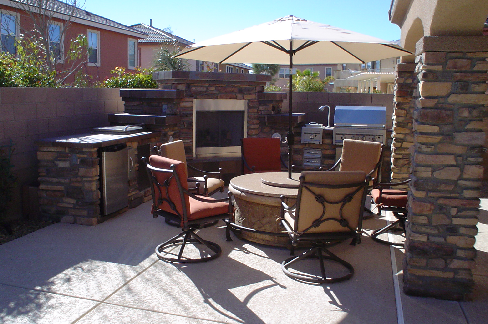 Custom Outdoor Barbecue Island Design Las Vegas Outdoor Kitchens And Barbecues