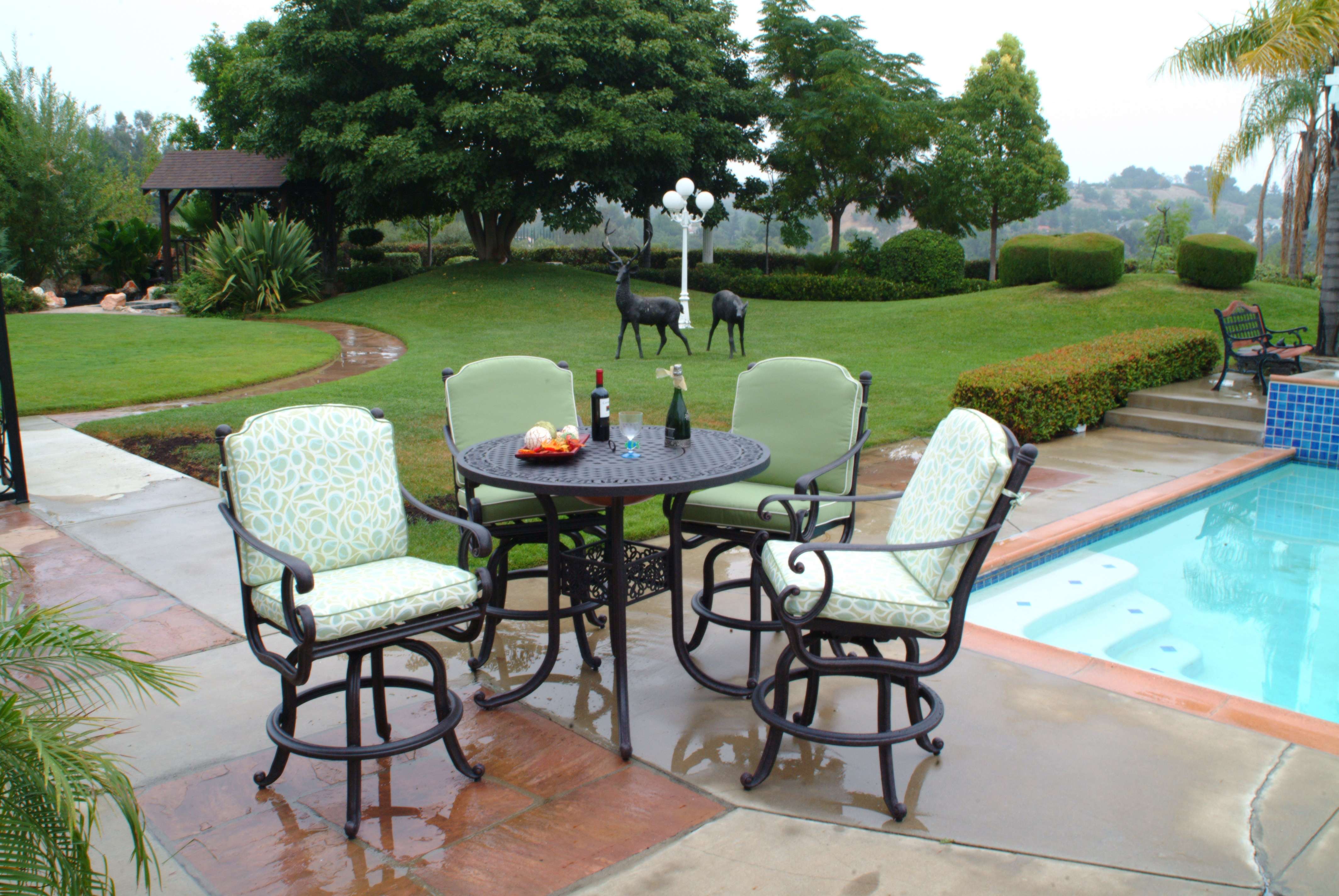 Athena Bar Set With Round Table Las Vegas Outdoor Kitchens And Barbecues